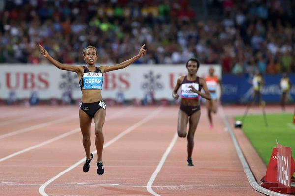 Meseret Defar wins the 5000m at the 2013 IAAF Diamond League meeting in Zurich (Jiro Mochizuki)