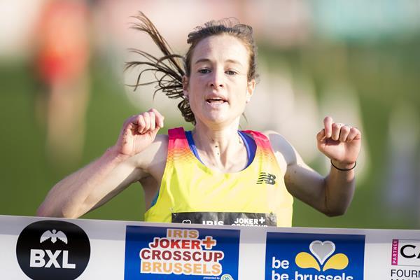 Fionnuala McCormack winning at the 2015 Brussels cross country meeting (Erik van Leeuwen)