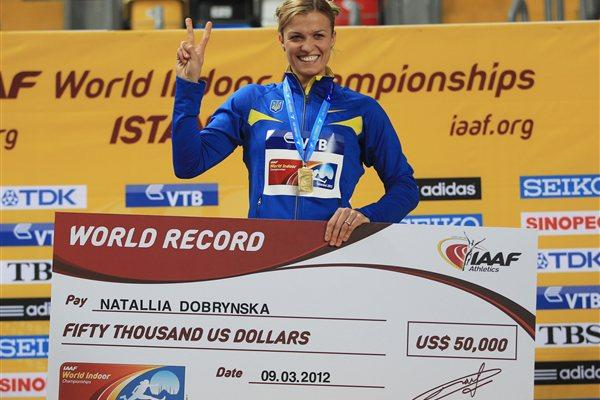 Natallia Dobrynska in Istanbul with her World indoor record cheque for $50,000 as paid by the IAAF (Getty Images)