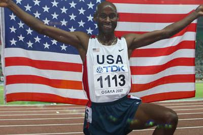 Bernard Lagat celebrates winning the 1500m final (Getty Images)