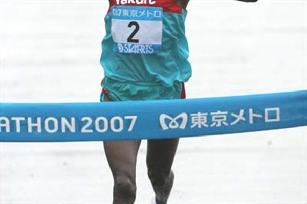 Daniel Njenga, winning the 2007 Tokyo Marathon. He was second at the 2011 and 2010 editions of the Beppu-Oita Mainichi Marathon (Kazutaka Eguchi/Agence SHOT)