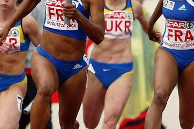 Christine Arron running the last leg for France's 4 x 100 (Getty Images)