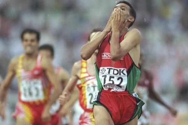 Hicham El Guerrouj wins his first World Championships gold medal in Athens 1997 (Getty Images)