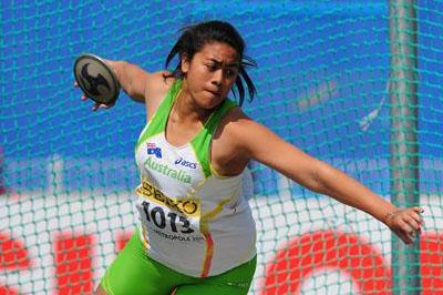 Filoi Aokuso of Australia in action during the girls' discus final (Getty Images)