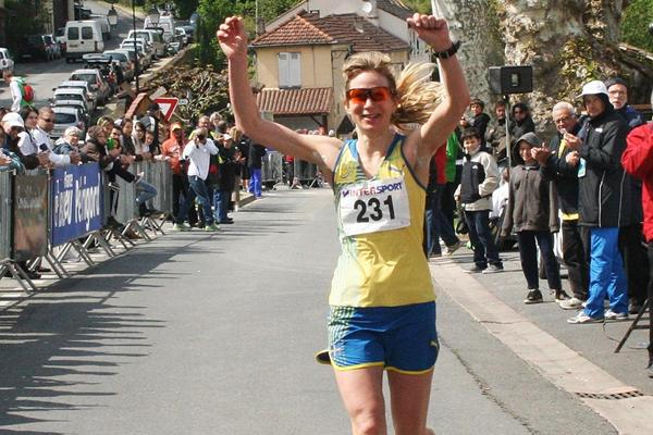 Kajsa Berg wins the women's title at the 2013 IAU European 100km Championships (Jan Vandendriessche)
