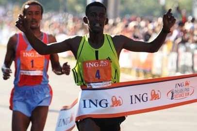 Yirefu Birhanu of Ethiopia wins in Philadelphia (Victah Sailer)