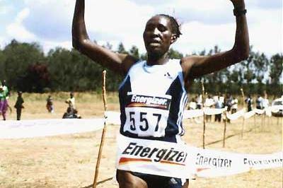 Catherine Kirui wins the 2005 Kenyan Prison Services' 8km xc race. (Omulo Okoth)