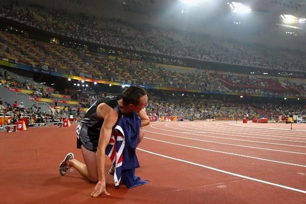 Nick Willis of New Zealand celebrates his bronze medal from the men's 1500m final (Getty Images)