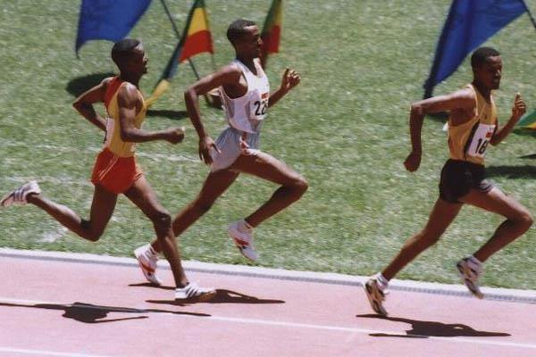 Dereje Tadesse (first from left) comes from behind to beat Maeregu Zewde and Sahle Warga at the Addis Ababa Club Championships (Markneh Lorisso)