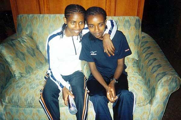 Ejigayehou Dibaba (left) with sister Tirunesh (Elshadai Negash)