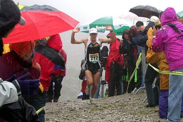 Jonathan Wyatt, (New Zealand ) winning men's World Mountain Running Trophy (WMRA)
