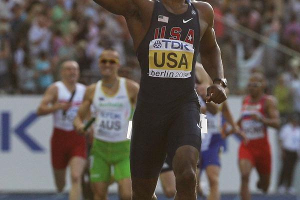 LaShawn Merritt of the United States celebrates winning the gold medal in the men's 4x400m final in Berlin (Getty Images)