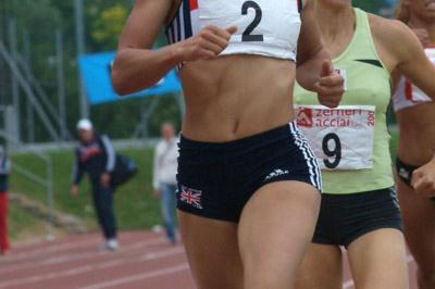 Jessica Ennis, hear leading Marie Collonvillé, en route to her PB victory in Desanzano (Lorenzo Sampaolo)