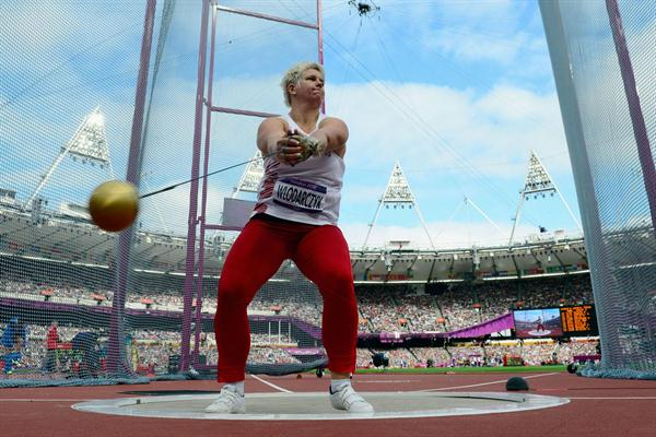 Anita Wlodarczyk of Poland competes in the Women's Hammer Throw Qualifications on Day 12 of the London 2012 Olympic Games at Olympic Stadium on August 8, 2012  (Getty Images)