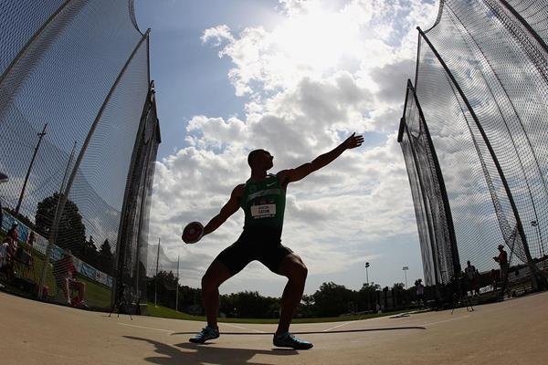 Ashton Eaton in the Decathlon Discus at the 2013 US Championships (Getty Images)