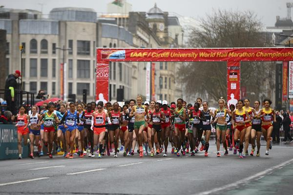 The start of the women's race at the IAAF/Cardiff University World Half Marathon Championships Cardiff 2016 (Getty Images)