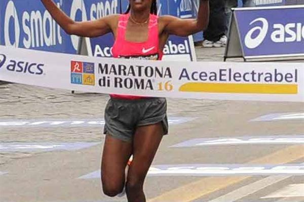 Firehiwot Dado defends her title in Rome 2010 (Michele D' Annibale)