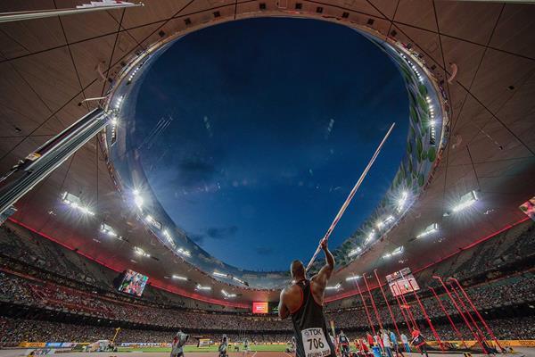 Day 5 (26/08/2015). Julius Yego, men's javelin final. EOS 5Ds + EF11-24mm F4L USM. F5.6, 1/500sec, ISO1600 (Takashi Okui)