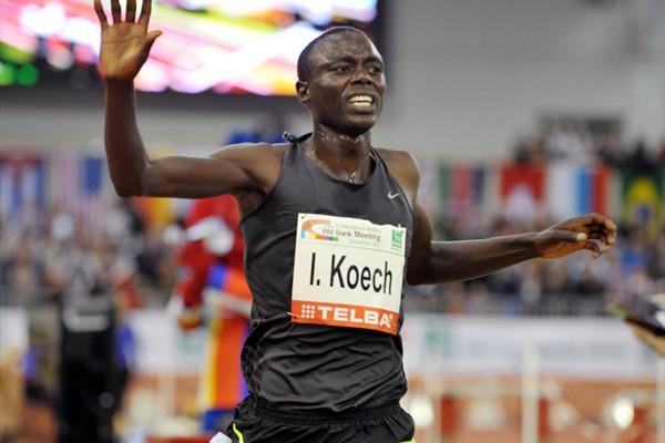 17 year-old Isaiah Koech speeds to 12:53.29 clocking at the 2011 PSD Bank Meeting in Düsseldorf (BENEFOTO)