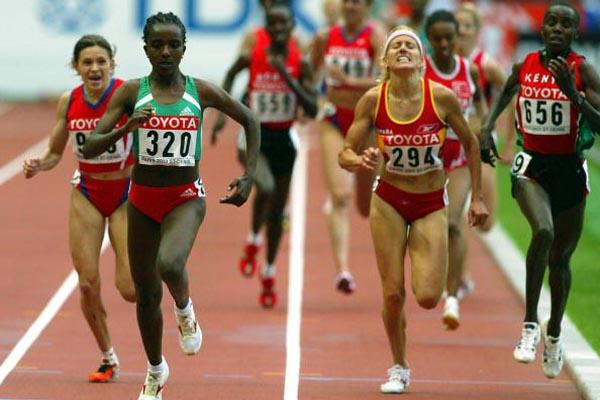 Tirunesh Dibaba of Ethiopia wins the 5000m final (Getty Images)