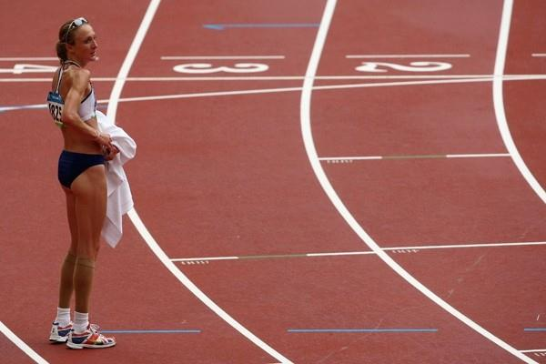 Four years after her nightmare in Athens, an injured Paula Radcliffe manages to complete the 2008 Beijing Olympic marathon after a less than ideal preparation (Getty Images)