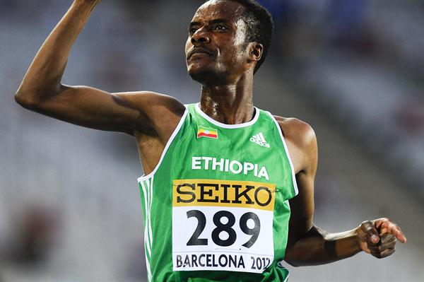 Muktar Edris wins the 5000m at the 2012 IAAF World Junior Championships in Barcelona (Getty Images)
