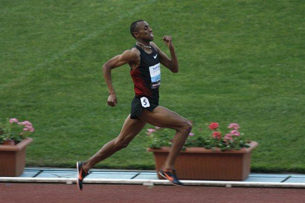 Amine Laalou en route to a big 1000m win at home in Rabat (Bob Ramsak)