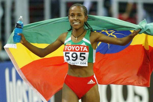 Meseret Defar celebrates winning the 3000m final in Budapest (Getty Images)