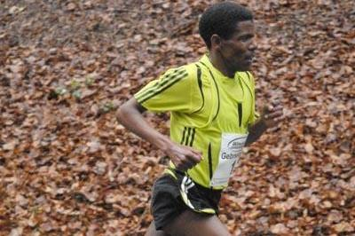 Haile Gebrselassie en route to the course record at the 's Heerenberg 15Km ('s Heerenberg 15Km organisers)
