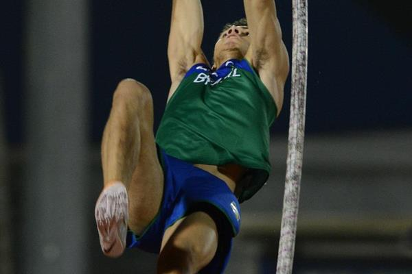 Thiago da Silva at the 2013 South American Championships (Eduardo Biscayart)