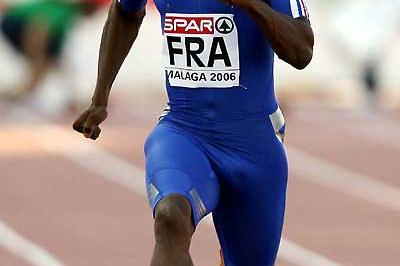 Ronald Pognon (FRA) powers away to 100m win in Malaga (AFP / Getty Images)