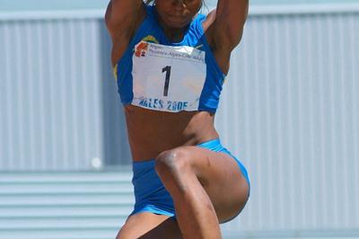 Eunice Barber in the Heptathlon Long Jump in Arles (Lorenzo Sampaolo)
