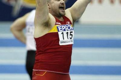 Manuel Martinez of Spain celebrates winning the shot put final (Getty Images)