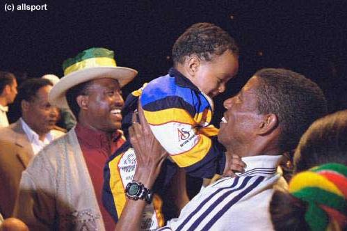 Loving father Haile Gebrselassie (© Allsport)