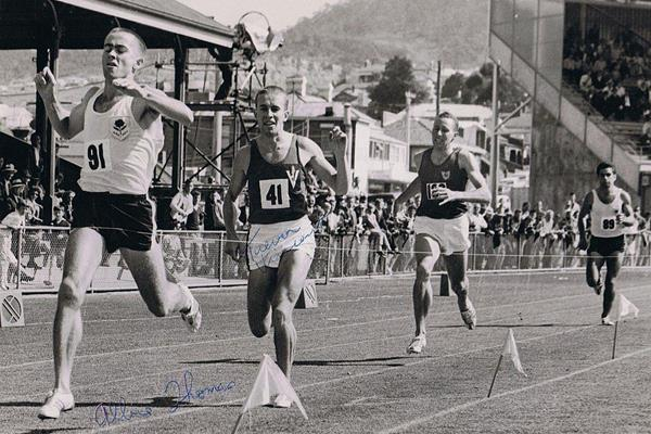Albie Thomas wins the Mile at the 1965 Australian Championships (Trevor Vincent)