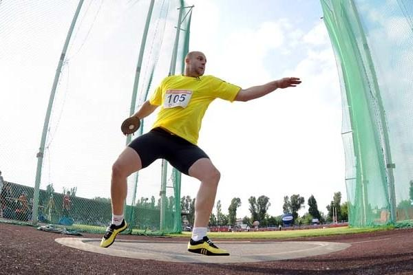 Piotr Malachowski competing at the 55th edition of the Kusocinski Memorial in Warsaw (Adam Nurkiewicz / Mediasport)