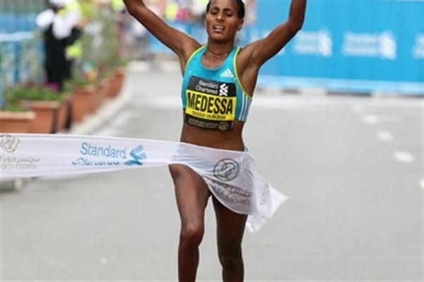 Aselefech Mergia of Ethiopia winning the 2011 edition of the Dubai Marathon (Victah Sailer)