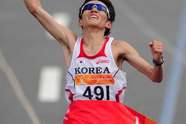 Ji Young-Jun takes a big Marathon victory at the Asian Games (Getty Images)