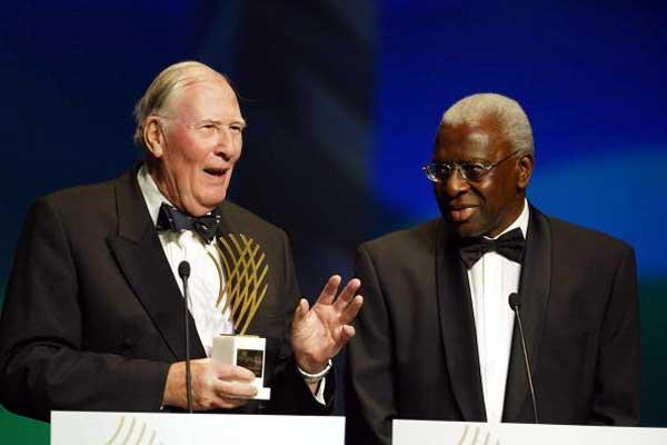 Sir Roger Bannister with Lamine Diack at the IAF Gala (Getty Images)
