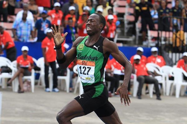 Javon Francis wins at the 2014 Boys and Girls Championships (Jean-Pierre Durand)