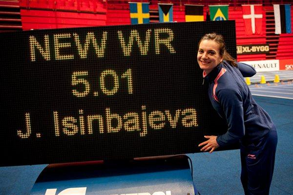 A familiar site - Yelena Isinbayeva with her World record numbers in Stockholm (Anders Sjogren / DECA Text&Bild)