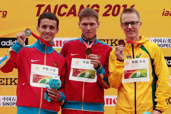 50km medallists Mikhail Ryzhov (centre), Ivan Noskov (left) and Jared Tallent (right) at the 2014 IAAF World Race Walking Cup in Taicang (Getty Images)