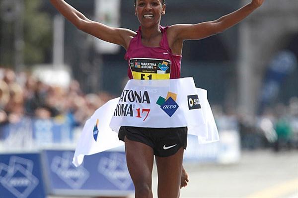 Firehiwot Dado takes her third straight Rome Marathon crown (Giancarlo Colombo/FIDAL)