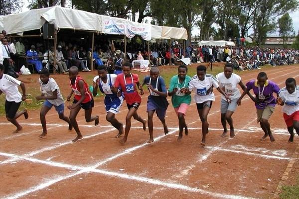 Kids' Athletics in Burundi in 2009 (IAAF.org)
