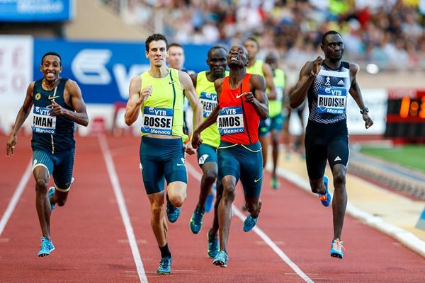 Nijel Amos winning the 800m at the 2014 IAAF Diamond League meeting in Monaco (Philippe Fitte)