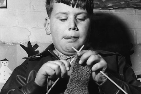 Knitting ()