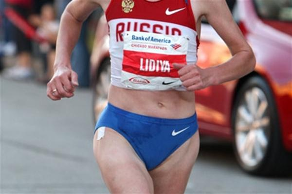 Lidiya Grigoryeva en route to victory at the Chicago Marathon (Victah Sailer)