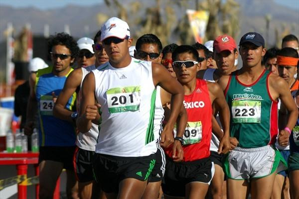Eder Sanchez (201) leads the 20K field in Chihuahua (Organisers)