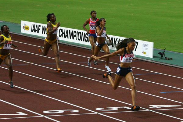 Allyson Felix of the US dominates the 200m final (Getty Images)