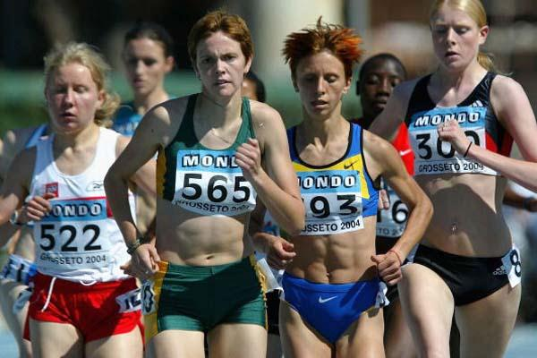 Nicolene Van Rooyen of South Africa during the second Women's 1500m Semi-Final (Getty Images)